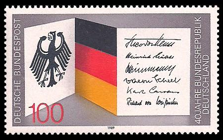 100 Pf Briefmarke: 40 Jahre Bundesrepublik Deutschland
