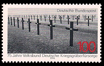 100 Pf Briefmarke: 75 Jahre Volksbund Deutsche Kriegsgräberfürsorge