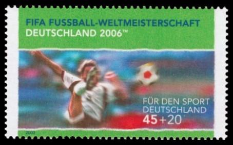 45 + 20 Ct Briefmarke: Für den Sport 2003, Torschuss