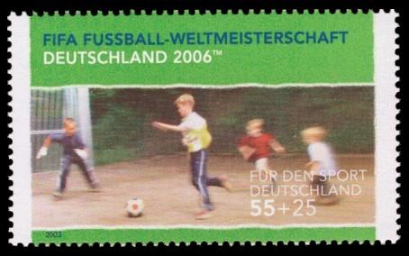 55 + 25 Ct Briefmarke: Für den Sport 2003, Jugendfußball