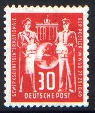 30 Pf Briefmarke: Gründungskonferenz der Internationalen Gewerkschaftsvereinigung für Post im Weltgewerkschaftsbund