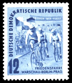 12 Pf Briefmarke: Friedensfahrt, Warschau-Berlin-Prag