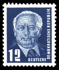 12 Pf Briefmarke: Freimarke - Präsident Wilhelm Pieck