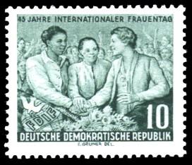 10 Pf Briefmarke: 45 Jahre Internationaler Frauentag