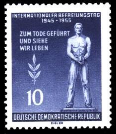 10 Pf Briefmarke: Internationaler Befreiungstag