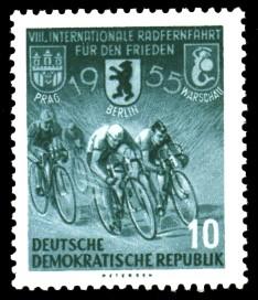 10 Pf Briefmarke: 8. Internationale Radfernfahrt für den Frieden 1955