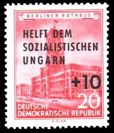 20 + 10 Pf Briefmarke: Helft dem sozialistischen Ungarn