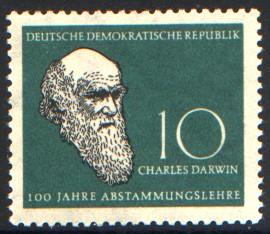 10 Pf Briefmarke: Naturwissenschaftler Charles Darwin und Carl v. Linné