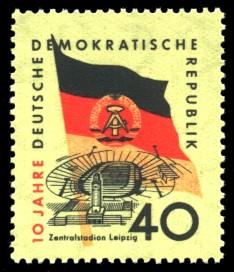 40 Pf Briefmarke: 10 Jahre DDR