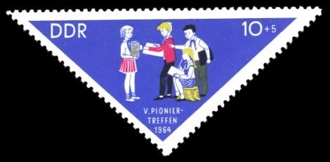 10 + 5 Pf Briefmarke: V. Pioniertreffen 1964