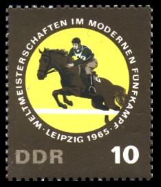 10 Pf Briefmarke: Weltmeisterschaften Fünfkampf, Springreiten