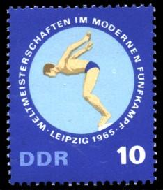 10 Pf Briefmarke: Weltmeisterschaften Fünfkampf, Schwimmen