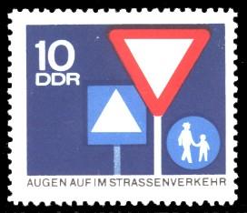 10 Pf Briefmarke: Straßenverkehr, Augen auf