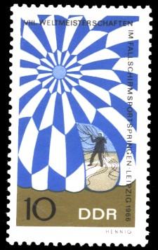 10 Pf Briefmarke: Fallschirmspringen
