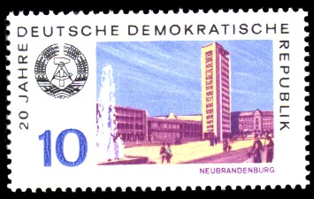 10 Pf Briefmarke: 20 Jahre DDR, Neubrandenburg
