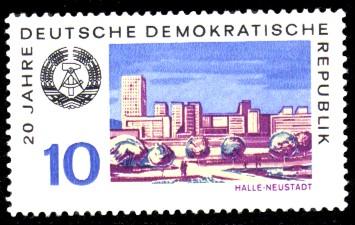 10 Pf Briefmarke: 20 Jahre DDR, Halle-Neustadt