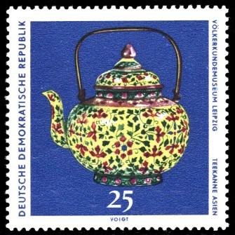 25 Pf Briefmarke: Völkerkundemuseum Leipzig, Teekanne