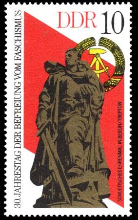 10 Pf Briefmarke: 30. Jahrestag der Befreiung vom Faschismus