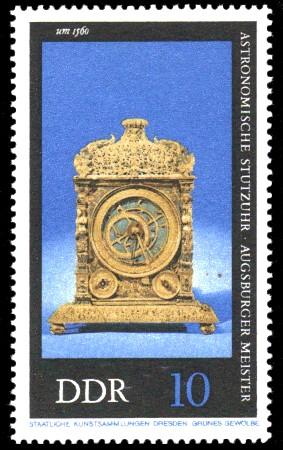 10 Pf Briefmarke: Alte Uhren, Astronomische Stutzuhr