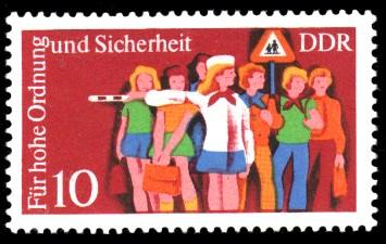 10 Pf Briefmarke: Für hohe Ordnung und Sicherheit im Straßenverkehr, Schülerlotse