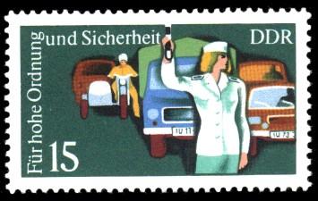 15 Pf Briefmarke: Für hohe Ordnung und Sicherheit im Straßenverkehr, Polizistin