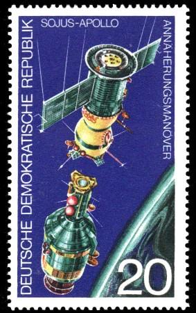 20 Pf Briefmarke: SOJUS-APOLLO Weltraumfahrt-Projekt, Annäherungsmanöver SOJUS APOLLO