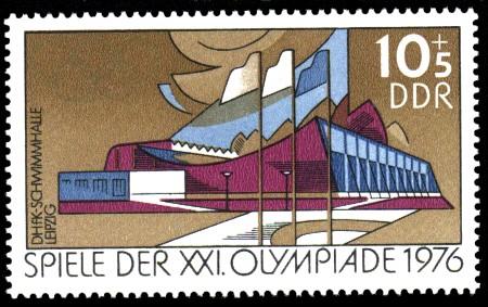 10 + 5 Pf Briefmarke: Spiele der XXI.Olympiade 1976, DHfK-Schwimmhalle Leipzig
