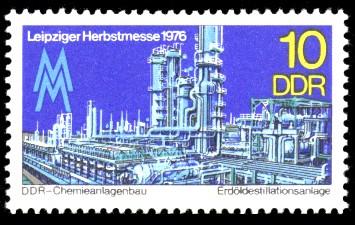 10 Pf Briefmarke: Leipziger Herbstmesse 1976, Erdöldestillationsanlage