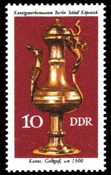 10 Pf Briefmarke: Kunstgewerbemuseum Berlin Schloß Köpenick, Kanne