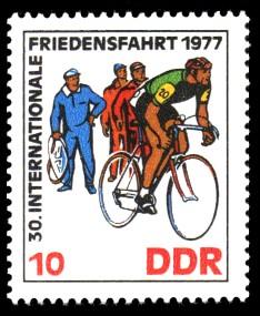 10 Pf Briefmarke: 30. Internationale Friedensfahrt 1977, Radwechsel