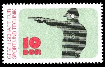 10 Pf Briefmarke: Gesellschaft für Sport und Technik, Schießen
