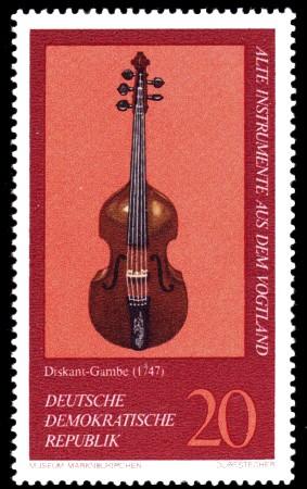 20 Pf Briefmarke: Alte Instrumente aus dem Vogtland, Diskant-Gambe