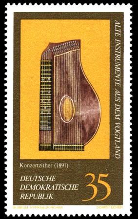 35 Pf Briefmarke: Alte Instrumente aus dem Vogtland, Konzertzither
