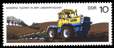 10 Pf Briefmarke: Moderne Technik in der Landwirtschaft, Traktor T150 mit Pflug