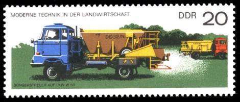 20 Pf Briefmarke: Moderne Technik in der Landwirtschaft, Düngerstreuer LKW W50