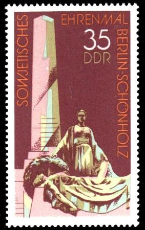 35 Pf Briefmarke: Sowjetisches Ehrenmal Berlin-Schönholz