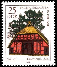 25 Pf Briefmarke: Fachwerkbauten in der DDR, Bauernhaus Strassen