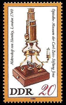 20 Pf Briefmarke: Optisches Museum der Carl-Zeiss-Stiftung Jena, Huntley-Mikroskop