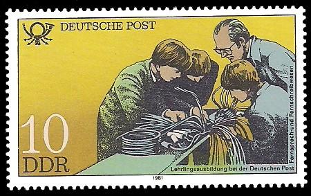 10 Pf Briefmarke: Ausbildung bei der Deutschen Post, Fernsprech- und Fernschreibwesen