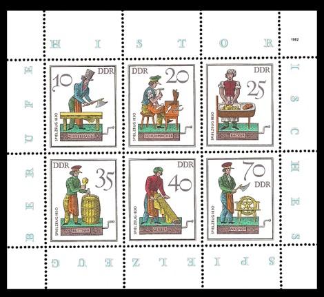 Briefmarke: Kleinbogen - Historisches Spielzeug - Berufe