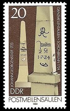 20 Pf Briefmarke: Postmeilensäulen, Johanngeorgenstadt und Schönbrunn