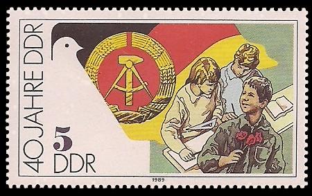 5 Pf Briefmarke: 40 Jahre DDR, Jugendliche beim Lernen