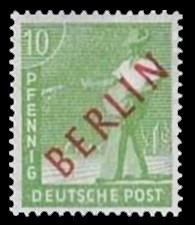10 Pf Briefmarke: Gemeinschaftsausgabe der alliierten Besetzung mit rotem BERLIN Aufdruck, Freimarke